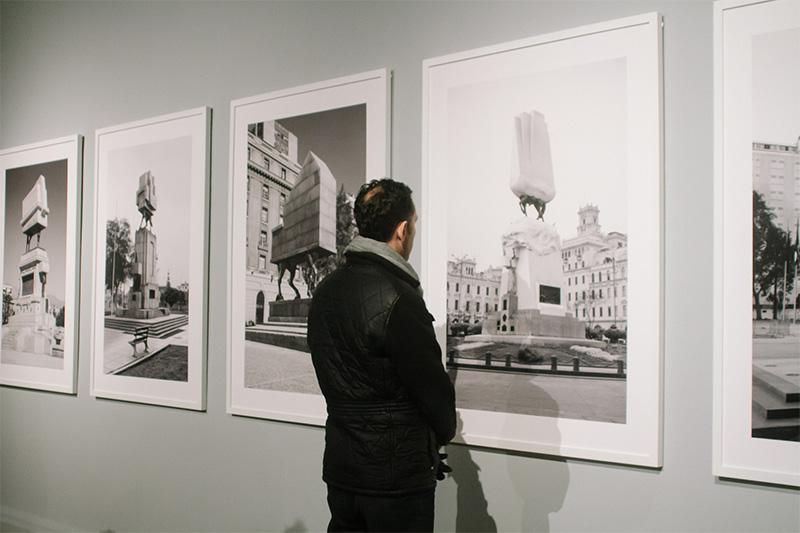 """Sesion """"Monumento editado"""" de Andrés Durán en MNBA"""